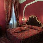 691790 Guest Room