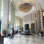 โรงแรมแกรนด์ เซ็นเตอร์พ้อยท์ เทอมินัล21 ห้องสวยครับ มีเครื่องซักผ้าให้ด้วย สระว่ายน้ำผ่อนคลาย ฝุ