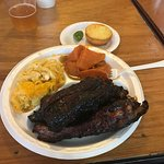 pork spare rib combo, mac n cheese an yams! Yummy!