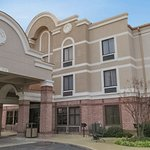 Comfort Inn & Suites Airport - American Way