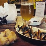 Perfect corner to enjoy some good food and fancy beers. Unique flavours in quiet Siglap. Come fi