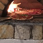 Zdjęcie Famous Mauro's Pizza