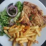 Le coeur casselois avec frites (ils proposent de vous en resservir) et petite salade