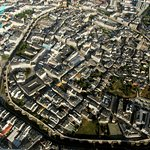 Vista aérea de la muralla de Lugo a 3500 pies.