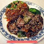 Sesame chicken with vegetable fried rice (Pollo Sesamo)