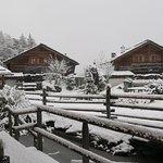 Berg-Chalet Nr. 2 - Schmöllern - Blick auf den verschneiten Dorfplatz