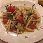 Pasta con funghi cardoncelli, pomodorino e olio locale