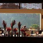 Foto di The Restaurant at Hanging Gardens Ubud, Bali
