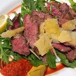 The filet with rucola and ajvar sauce and mustard