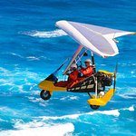Soaring over the North Shore waves