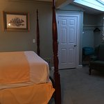 Фотография Essex Street Inn & Suites