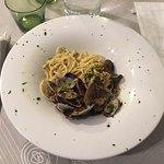 Tagliolini alle vongole con julienne di zucchine