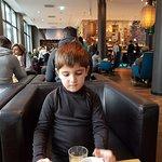 Motel One Dusseldorf Hbf Foto