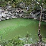 Vista desde el mirador del Cenote Sagrado