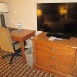 TV, Desk Area - King Size Room, Best Western Garden Inn, Santa Rosa, CA