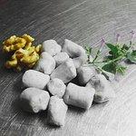 gnocchi di patate viola con pere con crema di Zola gherigli di noce