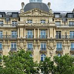 Photo of Fraser Suites Le Claridge Champs-Elysees