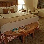 Beautiful comfortable king room w/ balcony
