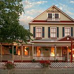 The Cedar House Inn Photo