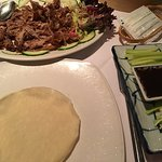 1/4 aromatic crispy duck with pancakes