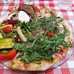 Formule (demi pizza et salade mixte)