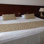 su cama ENORME