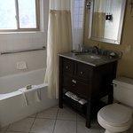 Foto de Marin Suites Hotel