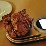 Ottimo ristorante sia per la qualità del cibo che per il servizio. Complimenti!