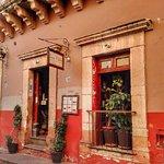 Casa Ofelia Restaurante-Bar Horario: Lunes a Domingo de 08:00am a 10:00pm. Calle Truco 11, Zona
