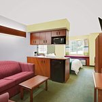 Microtel Inn & Suites by Wyndham Thomasville/High Point/Lexi Photo