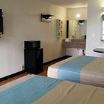 Two Queen Size Beds (QQNS) Includes Mini Fridge and Microwave