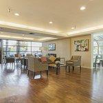 Photo of Comfort Inn & Suites Sea-Tac Airport