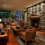 tempe_lobby_fireplace