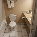 Jacuzzi Tub_Single Sink