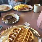 Very friendly and fast service. One of the best waffles I've ever had. Being southern I have the