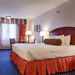 Фотография SureStay Plus Hotel Omaha South