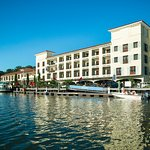 Delamar Greenwich Harbor Hotel