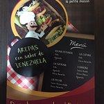 Flyer con algunas de las opciones de arepas.