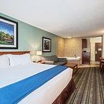 Photo de Holiday Inn Express & Suites Salamanca