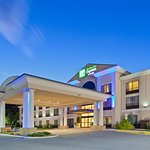 Welcome to the Holiday Inn Express Winchester, VA!