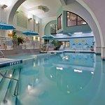Holiday Inn & Suites - Ambassador Bridge Photo
