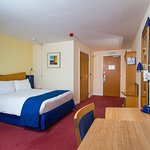 Photo de Holiday Inn Express Bradford City Centre