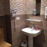 Salle de bains chambre supérieure (suite)