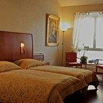 里賈納酒店