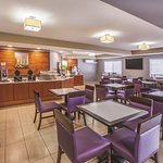 La Quinta Inn & Suites Erie Photo