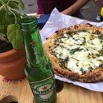 Lugar sensacional! Num jeito descontraído, serve uma pizza maravilhosa, bem ao típico jeito ital