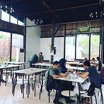 Table 9 Restaurant照片