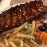 Had a great lunch (Ribs & Steak) at Alberto's Carreta with my girlfriend. The staffs are extreme