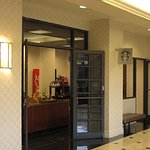 Hilton Airport - River Blends coffee shop in lobby