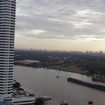 Photo de Riverfront Residence Serviced Apartments